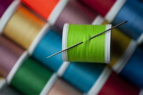 difference  sewing thread