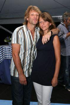 Photo Jon Bon Jovi Rocks Out