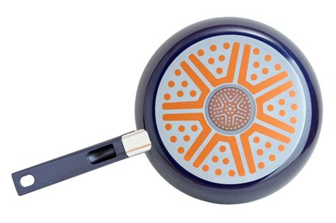 pan bottom frying iron cast glass skillet cooktop getty istock kitchen