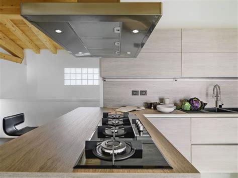 hotte industrielle cuisine eclairage hotte cuisine professionnelle 28 images l