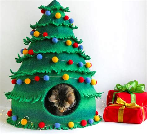 cat     christmas tree cat bed  sleep