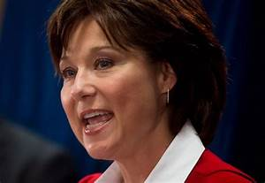 B.C. premier removes herself from oil refinery proposal ...