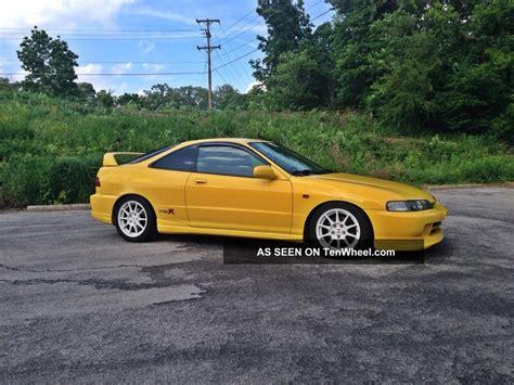 2001 acura integra type r hatchback 3 door 1 8l
