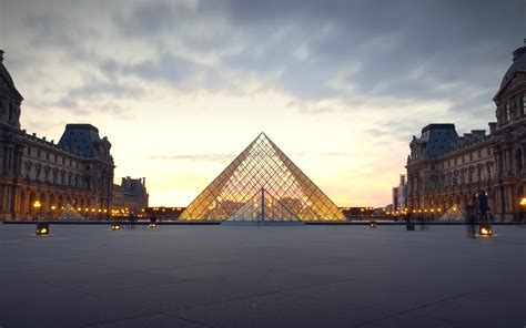 La Boule Du 10 2 Avenue De Verdun Jardin Villemin Paris