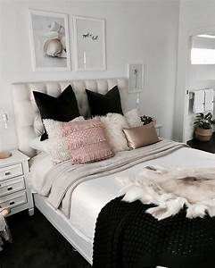 Chambre Gris Blanc : chambre blanc gris noir rose scandinave nordic avec plaid couverture cozy plaid fourrure home ~ Melissatoandfro.com Idées de Décoration