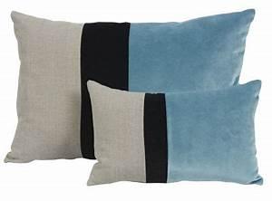 Coussin Velours Bleu : coussin velours bleu et noir et lin naturel farandole 45x30 d coration ~ Teatrodelosmanantiales.com Idées de Décoration