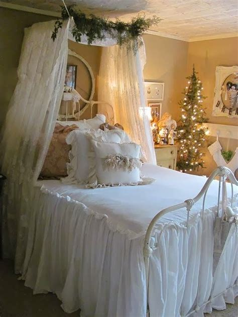 See more ideas about bedroom decor, bedroom design, decor. 43 Beautiful Christmas Bedroom Decorations Ideas