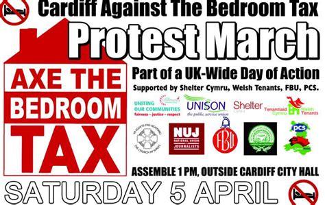 Bedroom Tax Ni by Treth Ystafelloedd Gwely Yn Rhoi Pobl Ar Y Clwt Medd