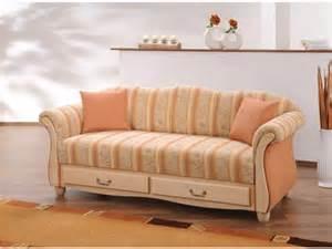 landhausstil sofa homeandgarden page 802