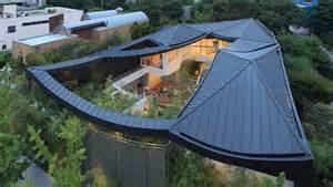 style homes with interior courtyards maison insolite en corée du sud décoration maison
