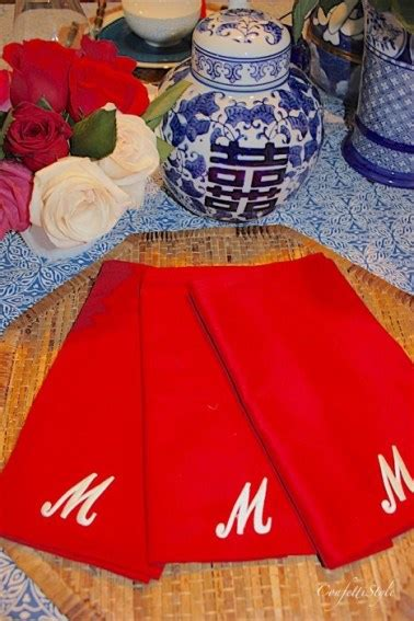 easy diy monogrammed napkins      minutes confettistyle