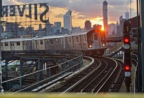 york subway riders commutes   shorter  city
