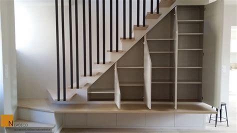 amenagement sous sol en chambre aménagement placard sous escalier le choix du sur mesure