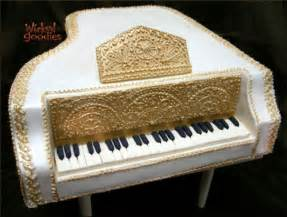 how to make a piano cake