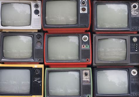 Tvs Classic Backgrounds by Why Are Repeats Of Recent Television Shows And Not