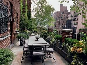Eingangsbereich Außen Dekorieren : 1000 bilder zu terrassengarten auf pinterest g rten erh hte pflanzbeete und pflanzenk bel ~ Buech-reservation.com Haus und Dekorationen