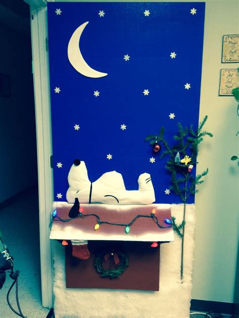 charlie brown christmas door decorating contest shes
