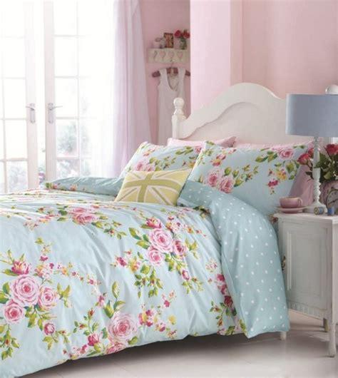 motif chambre fille idée déco chambre de fille ado literie à motifs floraux