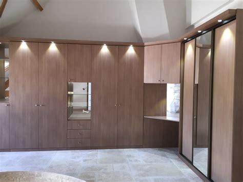 porte de placard cuisine sur mesure placard sur mesure aménagement de placards