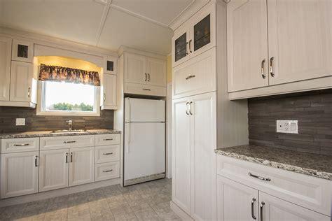 comptoir cuisine stratifié cuisine chêtre classique composée d armoires de