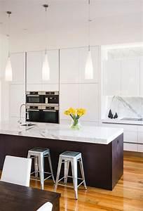 Grand modern kitchen - Completehome  Modern