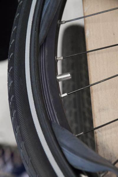 fahrradreifen ohne schlauch fahrradreifen und schlauch aufziehen montieren und wechseln reifen schl 228 uche anleitungen