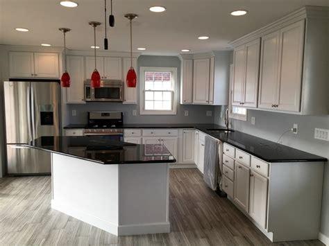black quartz countertops kitchen eclectic  stone slab