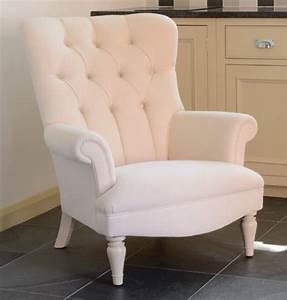 Fauteuil Style Anglais : fauteuil regent en tissu de velours coloris modena velvet ~ Teatrodelosmanantiales.com Idées de Décoration