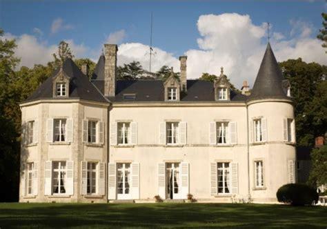 chambre d hote dans un chateau chambres d 39 hôtes au château de dangy à paudy chambre d