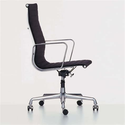 coll鑒ue de bureau vitra ea 119 aluminium chair chaise de bureau vitra ambientedirect com
