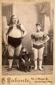 Kunterbunt Rund Leipzig : louis cyr 19th century canadian circus strongman with his family ephemera pinterest ~ Orissabook.com Haus und Dekorationen