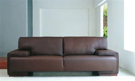 canapé chesterfield cuir gris quel déco avec un canapé cuir chocolat canapé