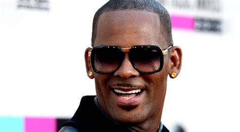 Robert sylvester kelly (born january 8, 1967) is an american singer, songwriter, record producer, and philanthropist. R. Kelly Wanted Iyanla Vanzant To Fix His Life And Some Of His Women — Here Is Her Surprising ...