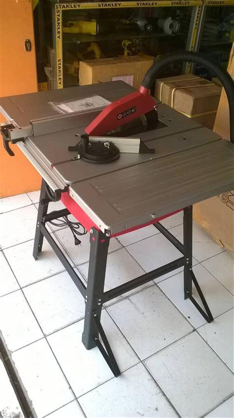 jual modern table    meja potong kayu gergaji