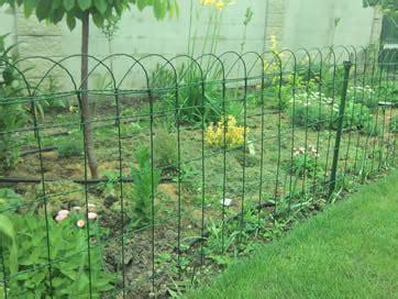 green garden fence pvc coated garden border fence anti corrosion 1374