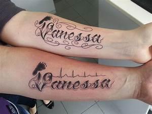 Finger Tattoo Herz : finger tattoo herz tattoo schrift unterarme tattoo art ~ Frokenaadalensverden.com Haus und Dekorationen