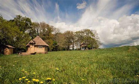 chambre hote carnac cabanes dans les arbres et hébergements pour nuit insolite