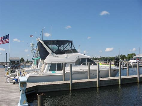 Carver Voyager Boats by Carver Boats 370 Voyager 1998 For Sale For 80 000 Boats
