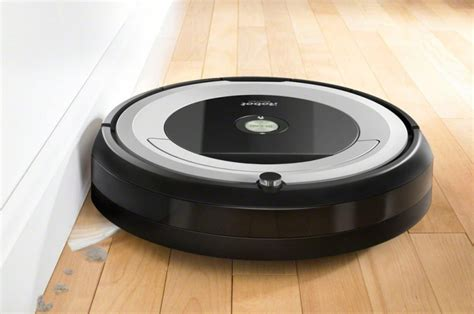 Insanely Popular Roomba 690 Drops To Its Lowest Price