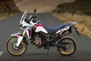 Africa Twin 2016 : honda africa twin 2016 test motorrad fotos motorrad bilder ~ Medecine-chirurgie-esthetiques.com Avis de Voitures