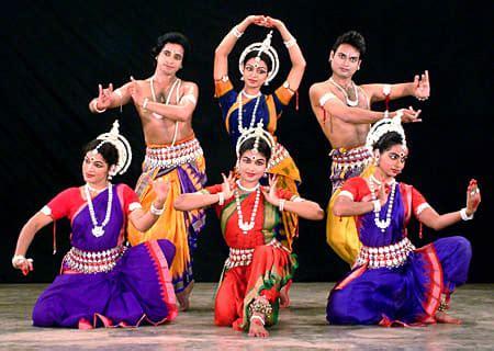 ddb mudra full form インドはヒンディー語で ダンスもまた 石川洋子 作家 夢の途中 yoko ishikawa リニューアル中