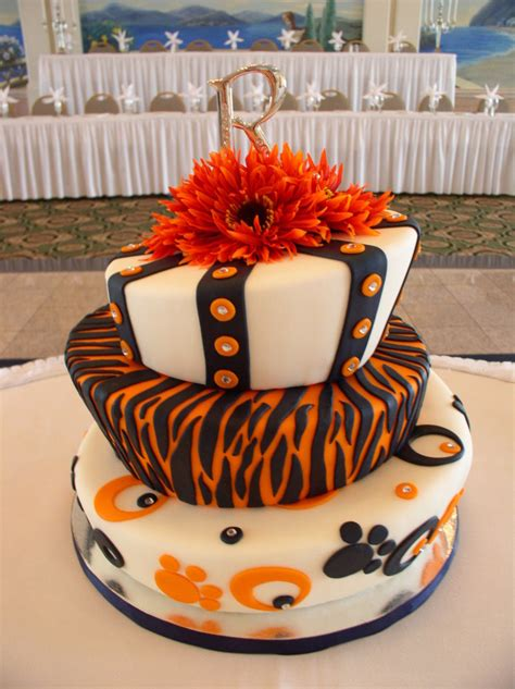 wedding display cake  huge auburn fans
