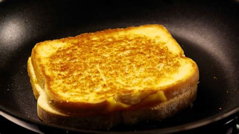 easy grilled cheese sandwiches youtube
