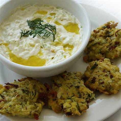 recette cuisine grecque beignets de courgettes kolokithakia keftedes