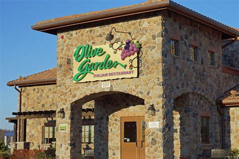 CEO resigns from Olive Garden parent company - Hyattsville ...