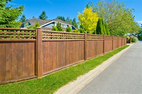 wood fence costs cost  install privacy fence  foot