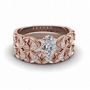 pear shaped floral bezel set diamond wedding ring set in With pear shaped wedding ring set