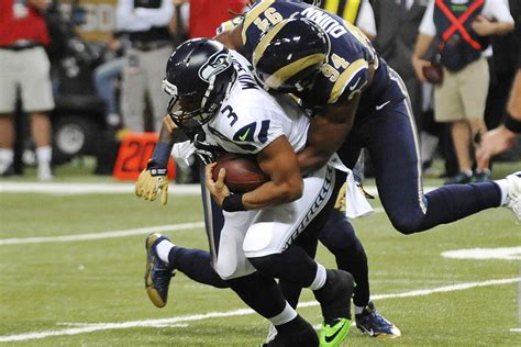 seahawks  rams final score seattle escapes  ugly
