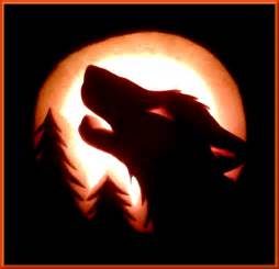 Wolf Howling at Moon Pumpkin Carving