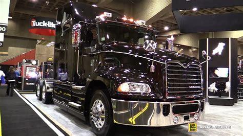 mack pinnacle cxu  truck  mack mp